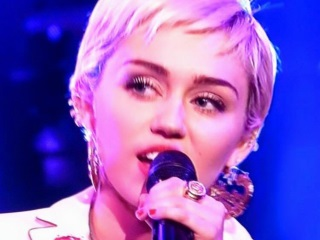 Miley Cyrus to Star in Woody Allen Series for Amazon