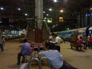 Mumbai Travellers Log On as Google Starts Railway Station Wi-Fi