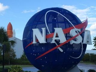 Nasa Seeks Student Ideas to Land Manned Probe on Mars