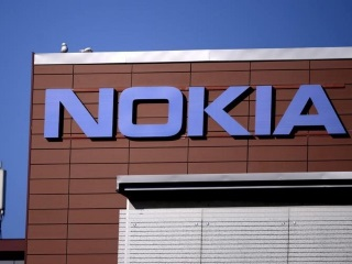 Efforts Under Way to Get Nokia Back to Tamil Nadu, Says Governor