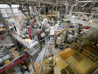 Scientists to Inject Fuel in Experimental Fusion Device