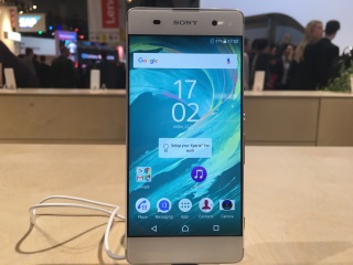 Sony Xperia X, Xperia XA, Xperia X Performance First Look
