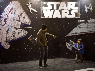 Star Wars: Episode VIII Delayed to Late 2017