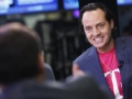 T-Mobile CEO crashes AT&T party at CES 2014, gets thrown out