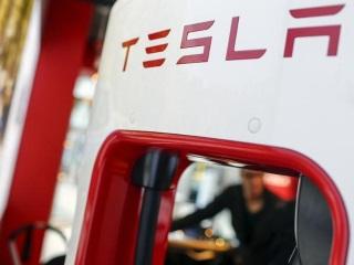 Tesla in Fatal Autopilot Crash Was Speeding: NTSB