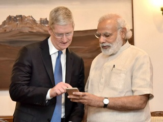 Apple's Tim Cook Meets Indian Prime Minister, Unveils Updated Narendra Modi App