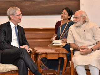Apple CEO Tim Cook Discusses India Manufacturing, Retail Plans With PM Modi