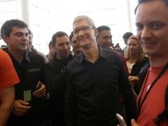 Optimism on Apple as Stock Splits