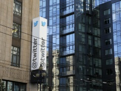 Blocked in China, Twitter Still Courts Chinese Firms for Ads
