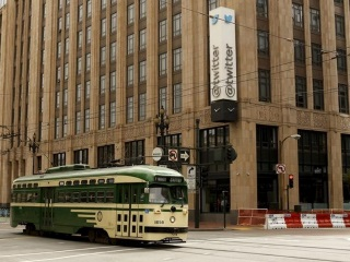 Twitter Faces Crunch Time as Ad Dollars Remain Elusive