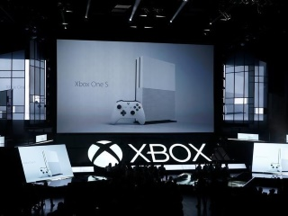 E3 2016: Microsoft Unveils Slimmer Xbox; Sony's VR Headset Coming to US in October