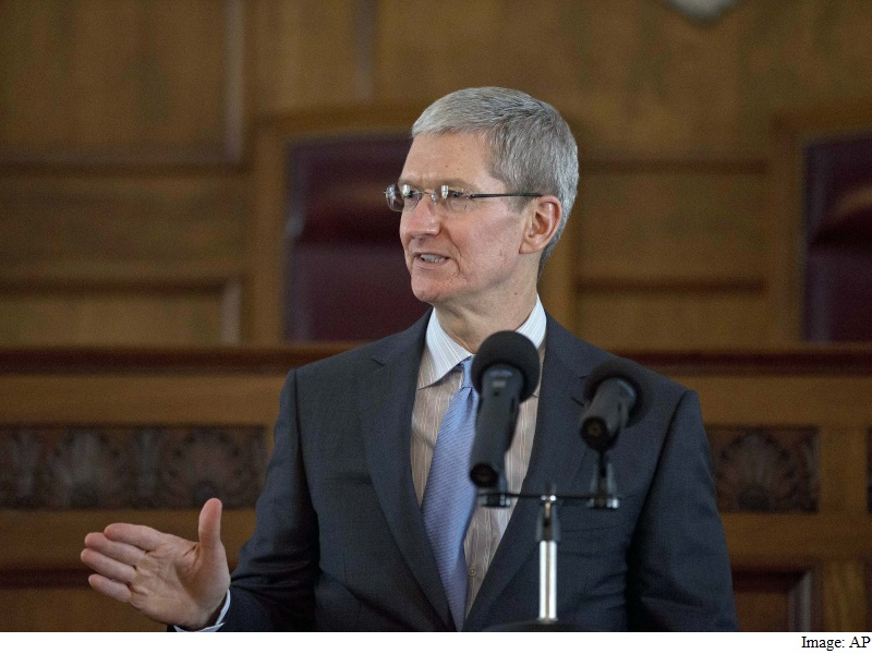 Apple CEO Tim Cook Congratulates Twitter on Site's 10th Birthday