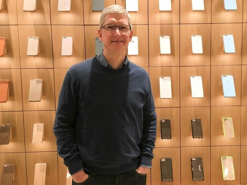 अगले आईफोन में होंगे ऐसे फ़ीचर जिनके बिना रह नहीं पाएंगे यूज़रः टिम कुक