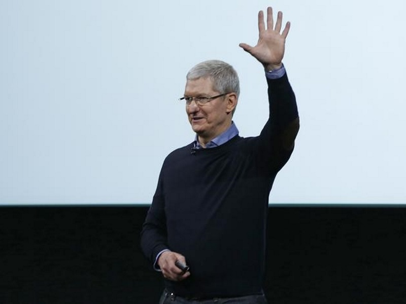 Apple CEO Tim Cook Visits Beijing After China Woes, Didi Deal