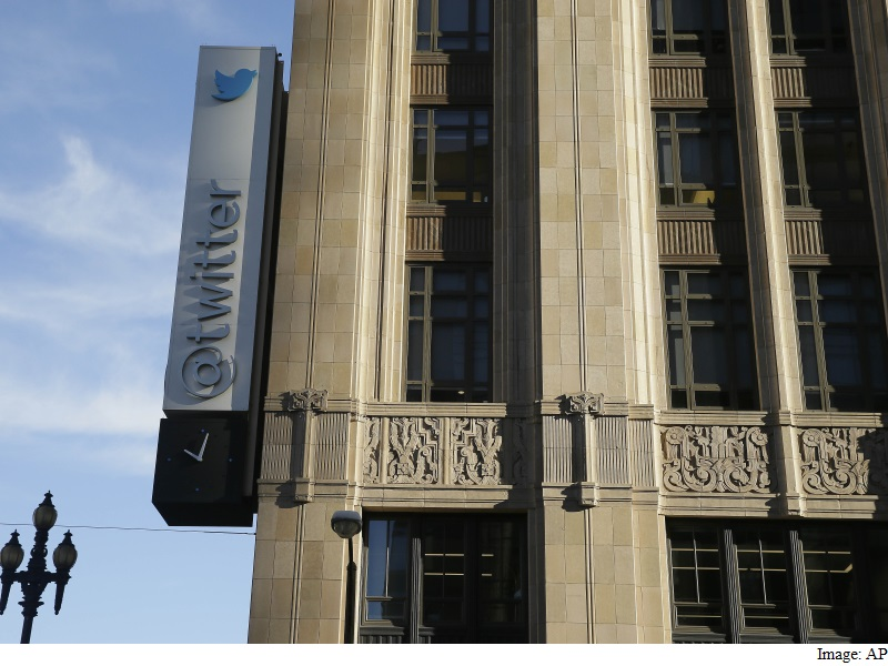 Twitter Cuts Intel Agencies Off From Analysis Service: Report