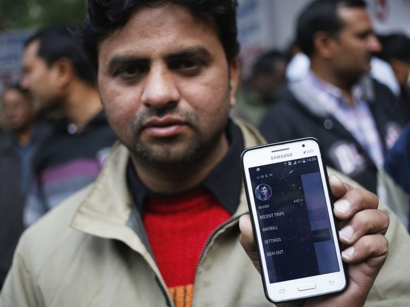 Uber Officials Meet Delhi Chief Minister to Discuss Surge Pricing