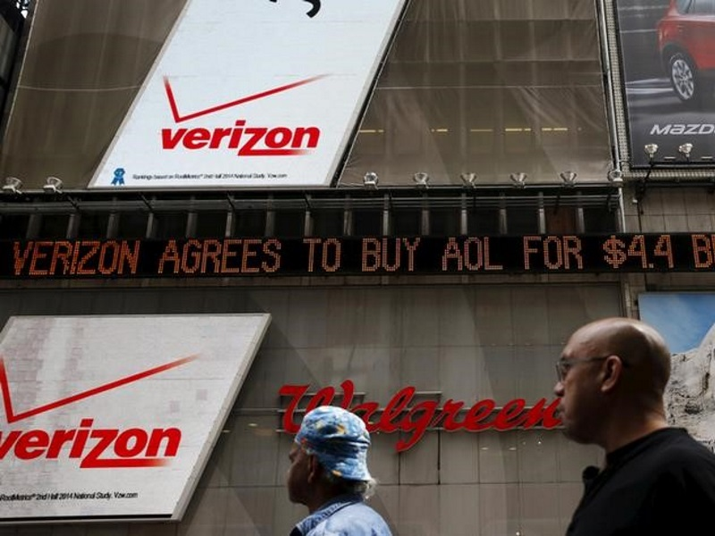 Verizon Seen to Bet on Armstrong, M&A Savvy in Yahoo Bid
