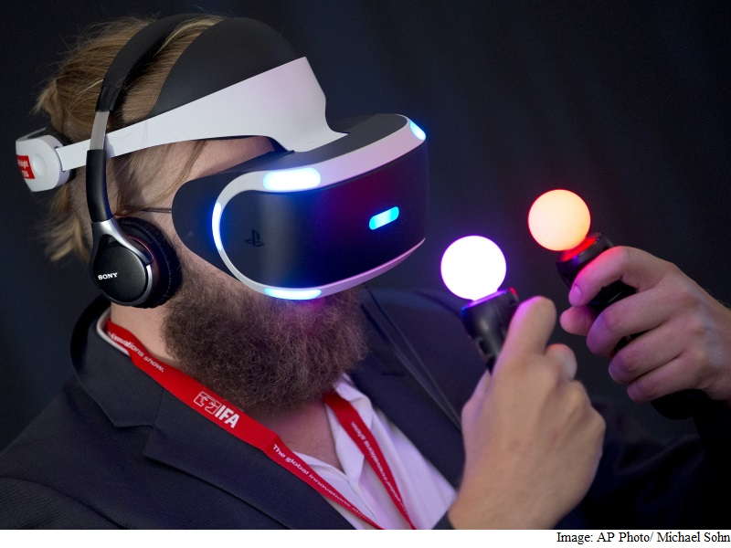 Virtual Reality Is Finally Here, Yet Still Has a Ways to Go