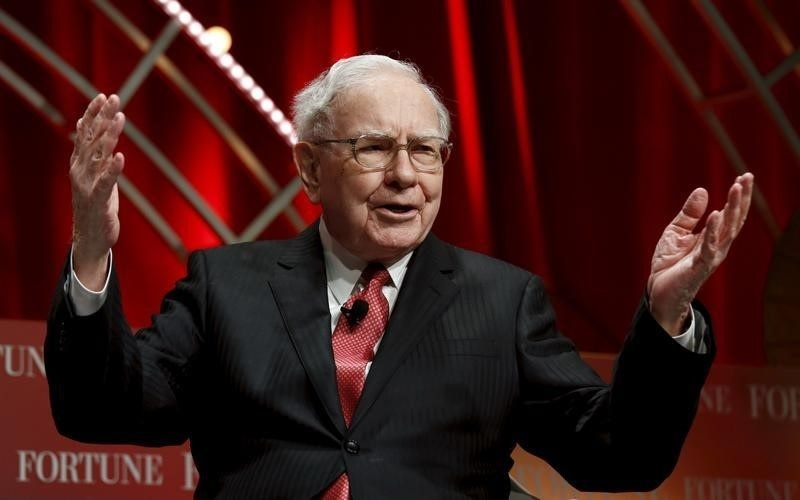 Warren Buffet Backing Bid for Yahoo: Report