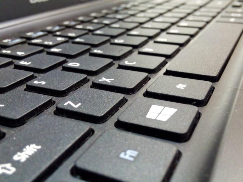 Six Plead Guilty in $100 Million Software Piracy Case in US