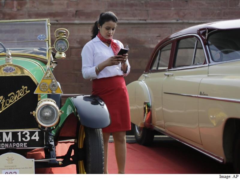 Mobile Firms Agree to Mandatory Panic Button for Women: Maneka Gandhi