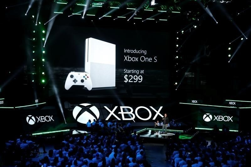 daf7b7a3f5a E3 2016  Microsoft Unveils Slimmer Xbox  Sony s VR Headset Coming to US in  October