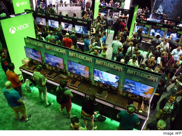 Console Kings Battle With Grand Games and Virtual Worlds