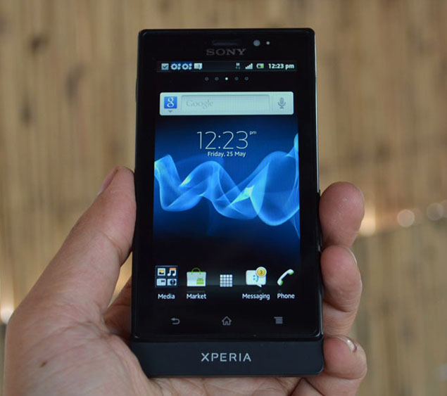 Sony Xperia Sola: Mid-range Smartphone with floating touch