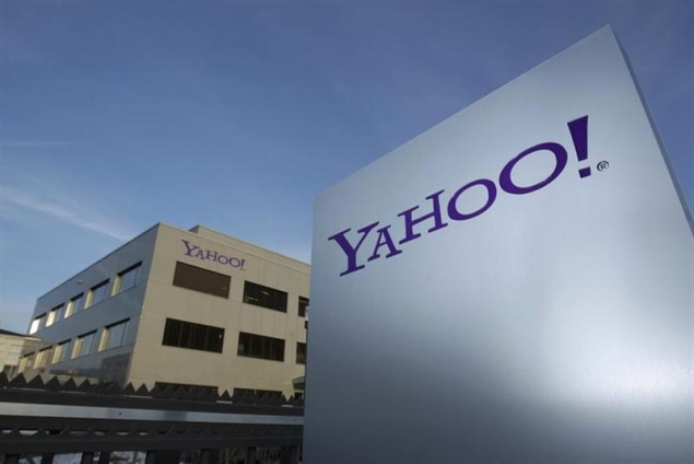 Yahoo ties up with Facebook to give its website a 'social' makeover