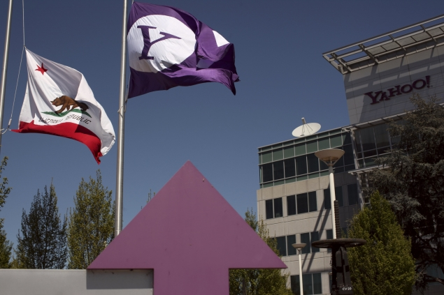Yahoo signs four-year deal with translation software provider