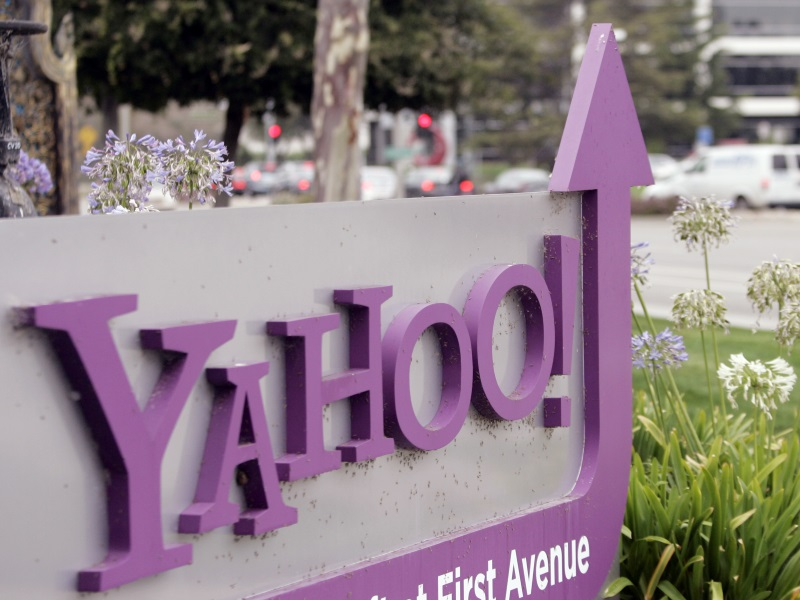 Some Yahoo Investors Want to Sell Internet Business Even if It Triggers Big Tax Bill