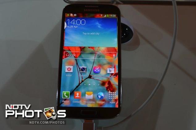 Samsung Galaxy S4 receives first software update