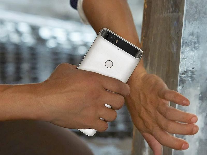 Some Nexus 6P Users Report Rear Camera Glass Cracks Spontaneously