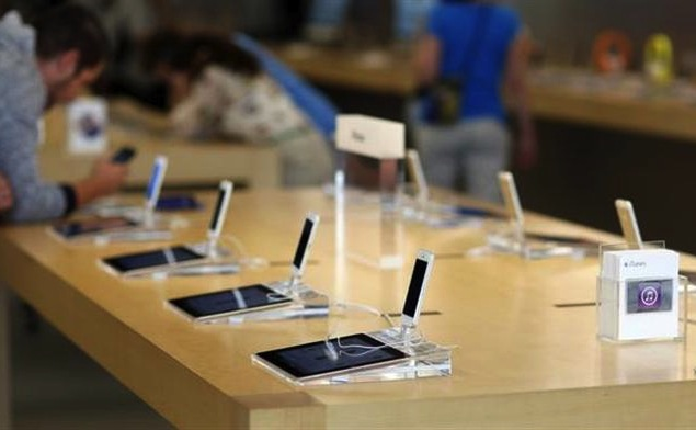 Apple fixing bug that allows fake charging stations to 'hack' iPhones and iPads