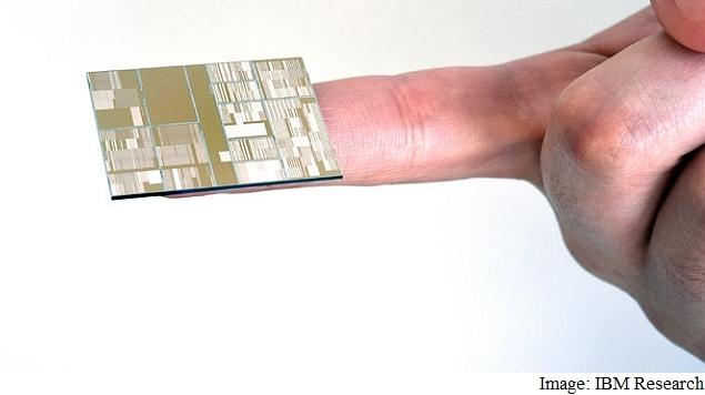 ibm_7nm_chip_hand_ibm_research.jpg