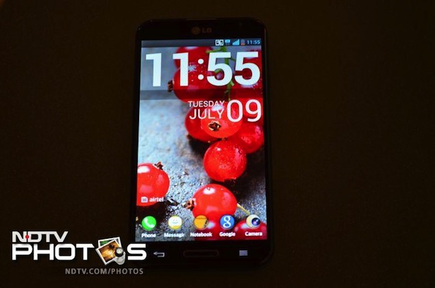 lg-optimus-g-pro-rear-display.jpg