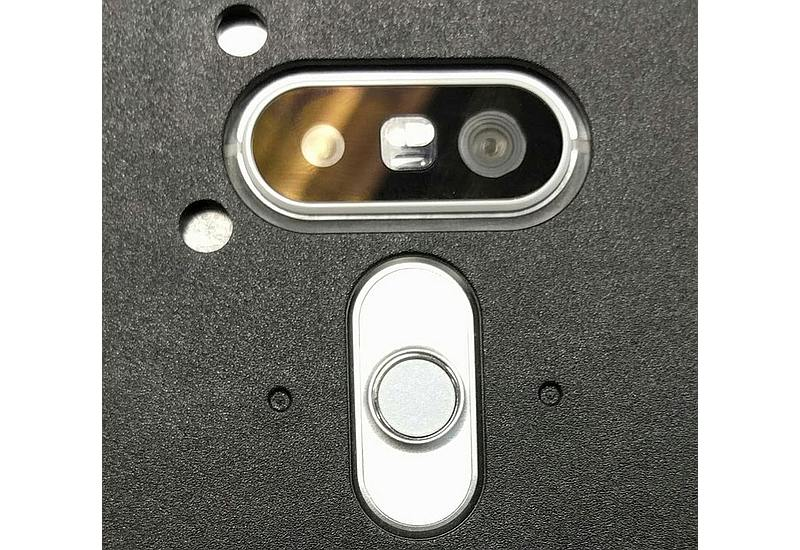 lg_g5_rear_camera_closeup_leaked_reddit.jpg