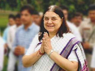Maneka Gandhi Meets Twitter Team to Curb Harassment of Women