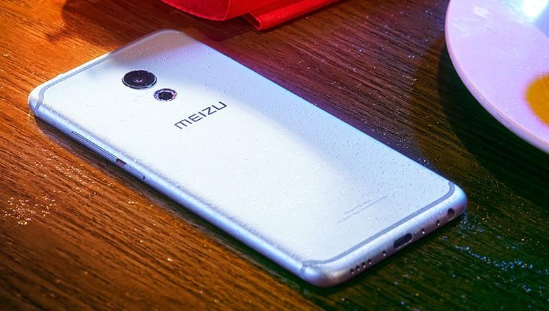 meizu_pro_6_moonlight_silver_rear.jpg
