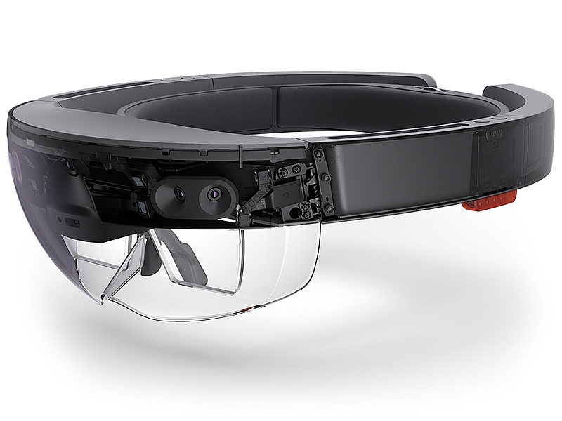 Microsoft HoloLens Battery Life, Connectivity, and Other Details Revealed