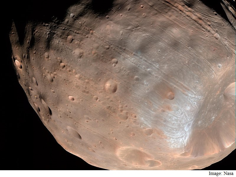 Mars' Moon Phobos Is Slowly Falling Apart: Study