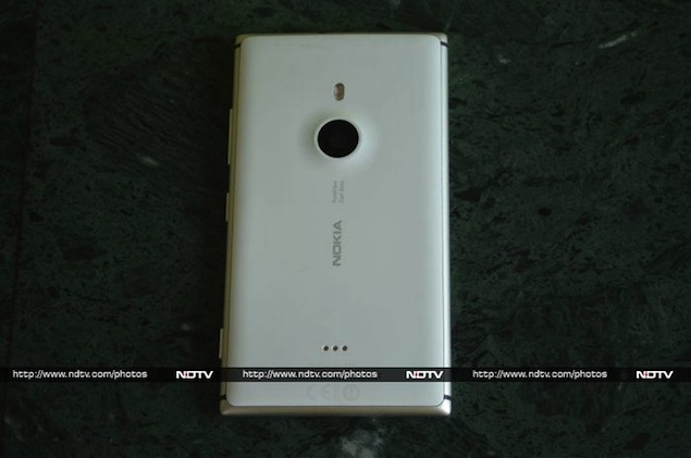 nokia-lumia-925-back.jpg