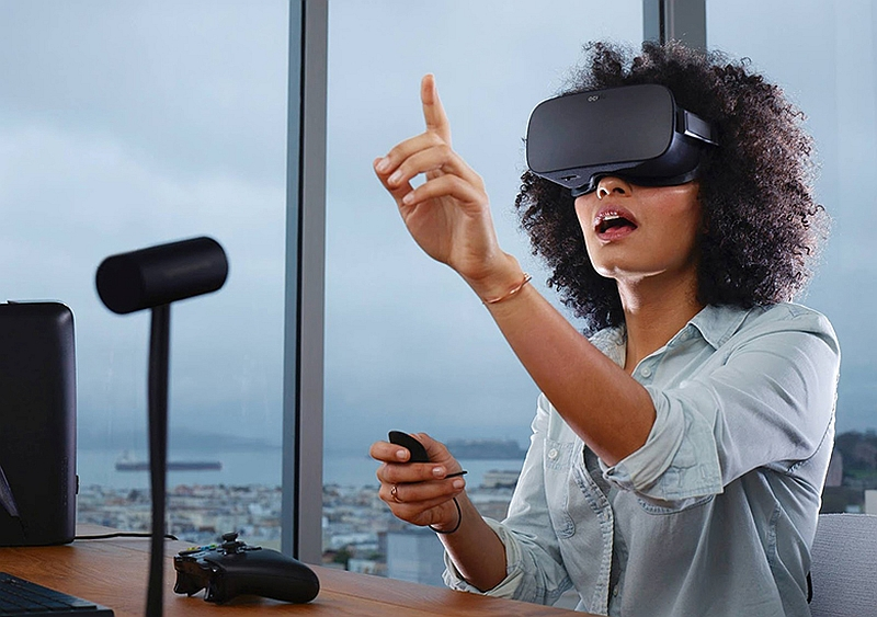 Oculus Rift VR Headset Shipments Delayed Due to Component Shortage