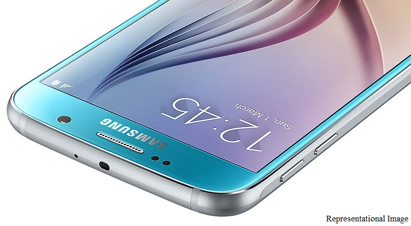 Samsung Galaxy S7, Galaxy S7 Edge Leak in Live Images