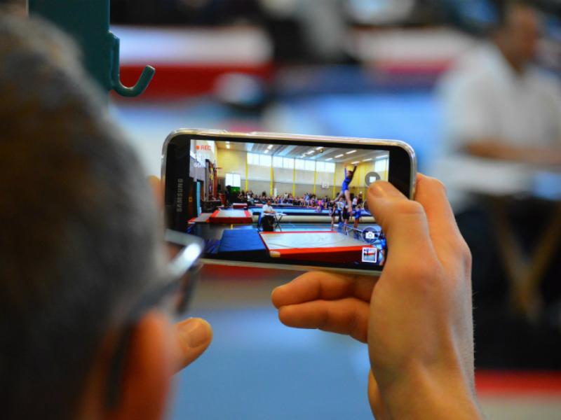 Samsung Unveils 5.5-Inch 4K Smartphone Display Prototype for VR