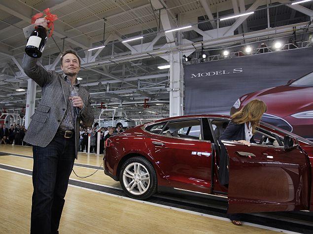 Panasonic, Tesla to Build Big US Battery Plant