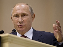 Father of Web Tells Russia's Putin: 'The Internet Is Not a CIA Creation'