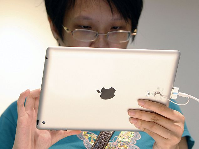 Apple-IBM Enterprise Mobility Deal Weighs on BlackBerry Shares