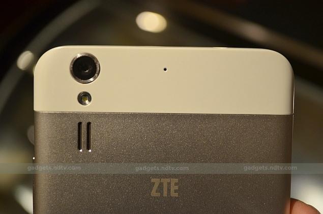 zte_grand_s_2_back_camera_ndtv_194514_104547_4852.jpg