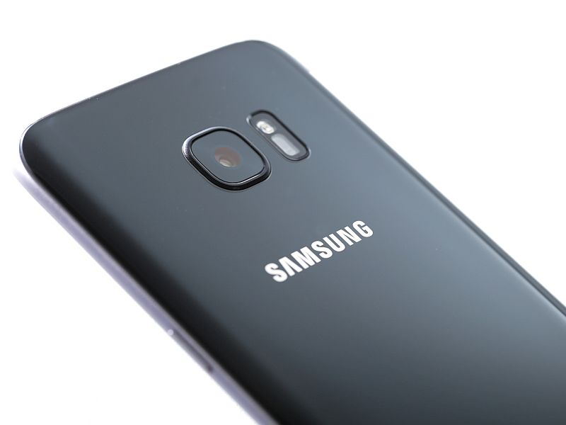 Samsung Releases February Android Security Update for High-End Galaxy Devices